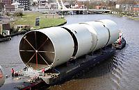 Nederland  Zaandam - 2020. Transport over de Zaan.  Foto Berlinda van Dam / Hollandse Hoogte.