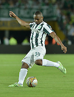 BOGOTÁ -COLOMBIA, 29-04-2015. Miller Mosquera jugador de Atlético Nacional en acción durante el encuentro con La Equidad por la fecha 9 de la Liga Águila I 2015 jugado en el estadio Nemesio Camacho El Campin de la ciudad de Bogotá./ Miller Mosquera player of Atletico Nacional in action during match against La Equidad for the 9th date of the Aguila League I 2015 played at Nemesio Camacho El Campin stadium in Bogotá city. Photo: VizzorImage/ Gabriel Aponte / Staff
