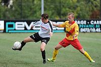 Beker van Belgi&euml; :<br /> Eendracht Wervik - SK Eernegem :<br /> Maxim Simoen (L) in strijd met Kenneth Voet (R) <br /> <br /> Foto VDB / Bart Vandenbroucke