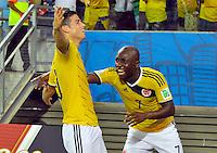 CUIABA - BRASIL -24-06-2014. James Rodriguez (#10) y Pablo Armero (#7) jugadores de Colombia (COL) celebra un gol anotado a Japón (JPN) durante partido del Grupo C de la Copa Mundial de la FIFA Brasil 2014 jugado en el estadio Arena Pantanal de Cuiaba./ James Rodriguez (#10) and Pablo Armero (#7) players of Colombia (COL) celebrate a goal scored to Japan (JPN) during the macth of the Group C of the 2014 FIFA World Cup Brazil played at Arena Pantanal stadium in Cuiaba. Photo: VizzorImage / Alfredo Gutiérrez / Contribuidor