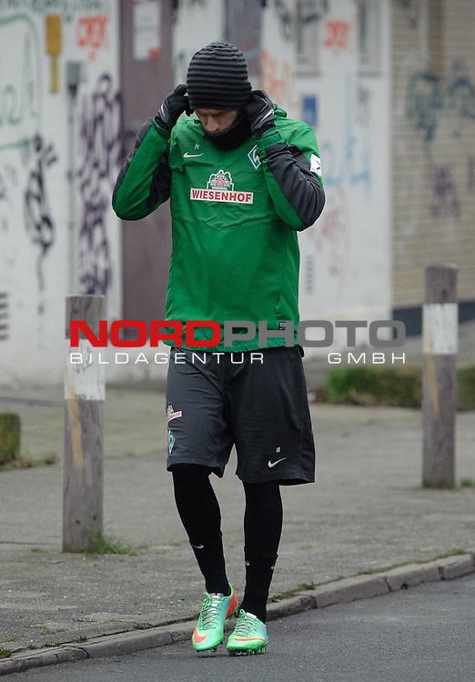 20.01.2014, Trainingsgelaende, Bremen, GER, 1.FBL, Training Werder Bremen, im Bild Aaron Hunt (Bremen #14)<br /> <br /> Foto &copy; nordphoto / Frisch