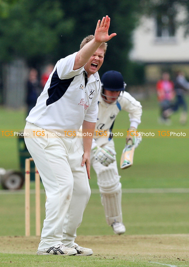Nick O'Dell of Upminster appeals for the wicket of Robert Marshall - Upminster CC vs Woodford Wells CC - Essex Cricket League - 06/06/09 - MANDATORY CREDIT: Gavin Ellis/TGSPHOTO - Self billing applies where appropriate - 0845 094 6026 - contact@tgsphoto.co.uk - NO UNPAID USE.