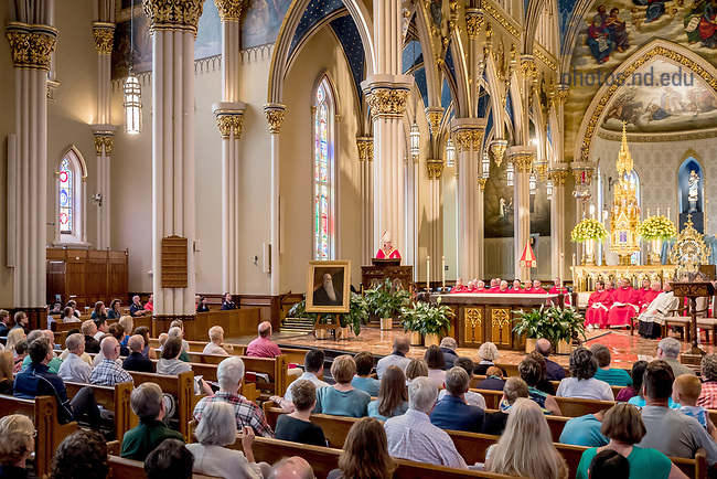 August 25, 2017; ND Trail day 12: Bishop Kevin Rhoades celebrates Mass in the Basilica of the Sacred Heart. (Photo by Matt Cashore/University of Notre Dame)