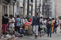 SAO PAULO,SP, 14 DE JANEIRO 2013 - CRACOLANDIA.SP - CRACK/INTERNAÇÃO - CIDADES - São Paulo, área de grande concentração de dependentes de drogas, na manha desta segunda-feira (14). O governador de São Paulo, Geraldo Alckmin, oficializou na última sexta-feira (11) um projeto de recuperação de dependentes químicos da região. A medida prevê a internação involuntária dos dependentes de crack cujo risco de morte em decorrência do vício for reconhecido por equipes da área da saúde e da Justiça.. ADRIANO LIMA / BRAZIL PHOTO PRESS).
