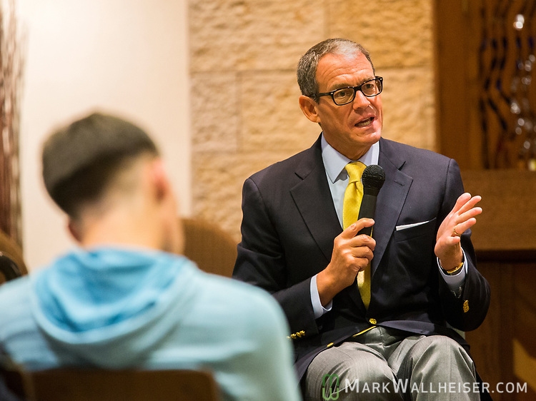 Daniel Silva, a non-fiction author, along with his wife, CNN correspondent, Jamie Gangel, spoke at Temple Israel in Tallahassee, FL.  Silva, who's new book House of Spies, reached #1 today sold 250 books at the event.