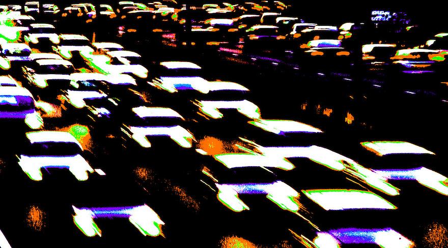 Nederland, Rotterdam, 6 nov 2004.Dagelijkse file op ring van Rotterdam in avondspits. Ondergaande zon zorgt voor een mooi sfeertje en mooie kleur..verkeer, file, mobiliteit. ..Foto (c) Michiel Wijnbergh/Hollandse Hoogte