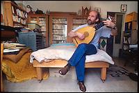 Alberto Casiraghi, poeta editore Pulcino Elefante