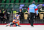 V&auml;ster&aring;s 2014-12-21 Bandy Elitserien Tillberga Bandy - Bolln&auml;s GIF :  <br /> Bolln&auml;s Daniel Berlin reagerar under en diskussion med domare Keijo Hyv&auml;rinen under matchen mellan Tillberga Bandy och Bolln&auml;s GIF <br /> (Foto: Kenta J&ouml;nsson) Nyckelord:  Bandy Elitserien ABB Arena Syd Tillberga TB V&auml;ster&aring;s Bolln&auml;s GIF Giffarna diskutera argumentera diskussion argumentation argument discuss portr&auml;tt portrait domare referee ref