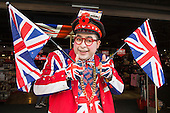 London, UK. 21 April 2016. Pictured: The Cool Guy from Cool Britannia celebrates the celebrates Queen Elizabeth's 90th birthday in Piccadilly Circus, London.