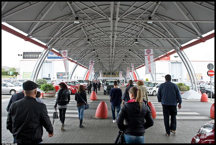 SETTIMO - Centro commerciale in Strada Settimo