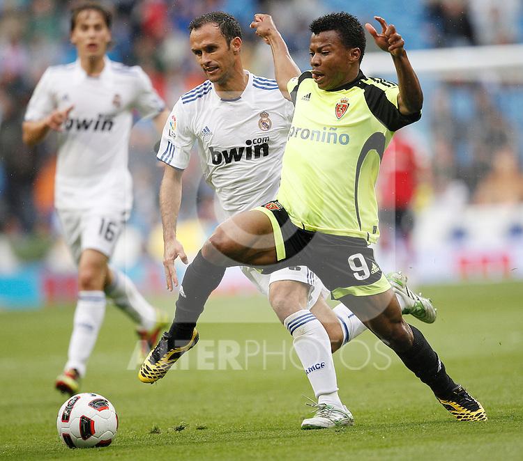 Real Madrid's Ricardo Carvalho and Zaragoza's Ikechukwu Uche during Spanish League match on April 30, 2011...Photo: Cebolla Cid-Fuentes / ALFAQUI