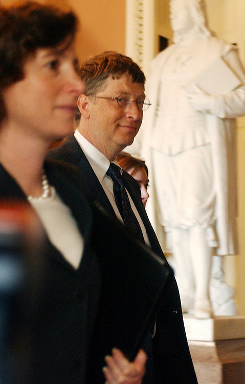 gates/062503 - Chairman of Microsoft, Bill Gates, makes his way to a meeting with Sen. Bill Frist, R-Tenn., in the Capitol, Wednesday.