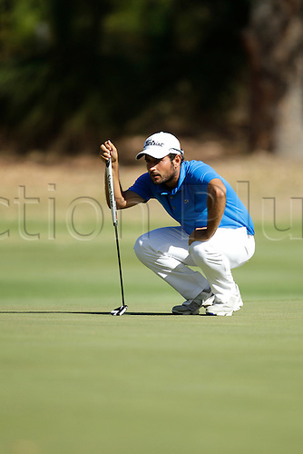 28.02.2016. Perth, Australia. ISPS HANDA Perth International Golf. Alexander Levy (FRA) lines up his putt at the 17th green during his final round.
