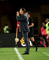 BOGOTÁ-COLOMBIA, 16-01-2020: Alexandre Guimaraes, técnico de América de Cali, durante partido entre América de Cali y Deportivo Cali, por el Torneo ESPN 2020, jugado en el estadio Nemesio Camacho El Campin de la ciudad de Bogotá. / Alexandre Guimaraes, coach of America de Cali, during a match between America de Cali and Deportivo Cali, for the ESPN Tournament 2020, played at the Nemesio Camacho El Campin stadium in the city of Bogota. Photo: VizzorImage / Luis Ramírez / Staff.