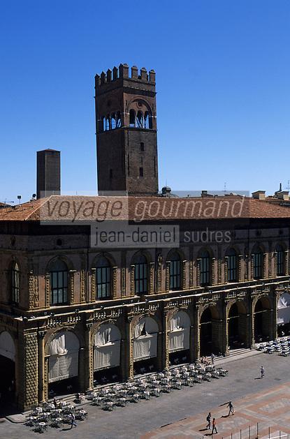 Europe/Italie/Emilie-Romagne/Bologne : Place Maggiore vue depuis le Beffroi du palais communal