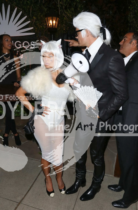 **ALL ROUND PICTURES FROM SOLARPIX.COM**<br /> **SOLARPIX RIGHTS - UK, AUSTRALIA, DENMARK, PORTUGAL, S. AFRICA, SPAIN &amp; DUBAI (U.A.E) &amp; ASIA (EXCLUDING JAPAN) ONLY**<br /> 2015 Casamigos Tequila Halloween Party - Arrivals - Private Residence - Beverly Hills, CA, USA<br /> This pic:   Fergie and Josh Duhamel <br /> **STRICTLY NO ONLINE USAGE WITHOUT PRIOR AGREEMENT**<br /> JOB REF:  18760 PHZ  DATE:  30.10.15<br /> **MUST CREDIT SOLARPIX.COM AS CONDITION OF PUBLICATION**<br /> **CALL US ON: +34 952 811 768**