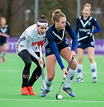AMSTELVEEN - Anouk Lambers (Pin) met Eva de Goede (A'dam)    tijdens de hoofdklasse competitiewedstrijd dames, Pinoke-Amsterdam (3-4). COPYRIGHT KOEN SUYK