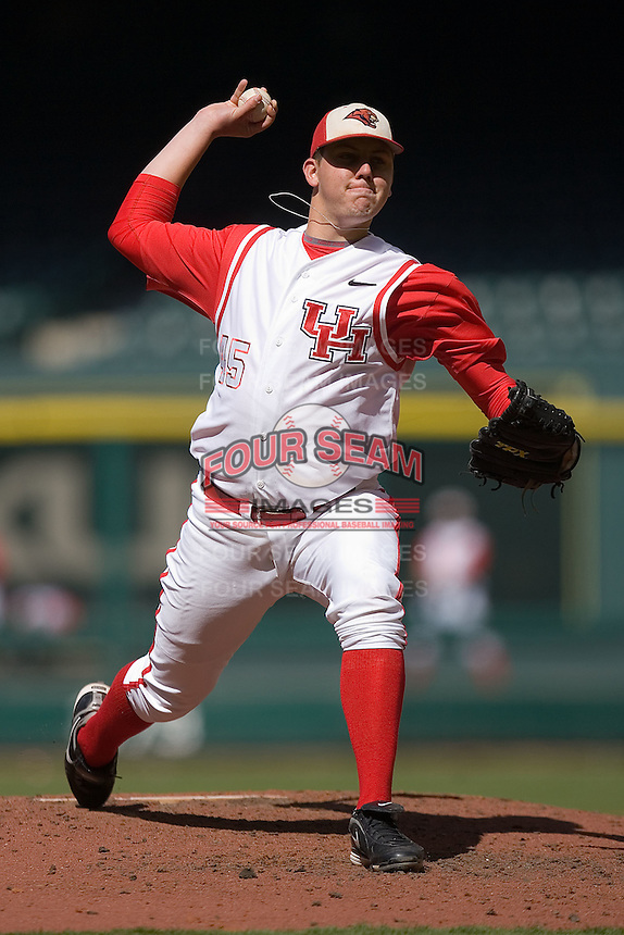 Relief pitcher Michael Goodnight #45 of the Houston Cougars in action versus the UC-Irvine Anteaters in the 2009 Houston College Classic at Minute Maid Park February 28, 2009 in Houston, TX.  The Anteaters defeated the Cougars 13-7. (Photo by Brian Westerholt / Four Seam Images)