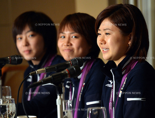 August 14, 2012, Tokyo, Japan - A trio of London Olympics silver medal-winning Japanese table tennis players attend a news conference at Tokyo's Foreign Correspondents' Club of Japan on Tuesday, August 14, 2012. They are, from left: Kasumi Ishikawa, Sayaka Hirano and Ai Fukuhara. The trio brought home silver medals from London where the girls met China in the team competition final. (Photo by Natsuki Sakai/AFLO) AYF -mis-
