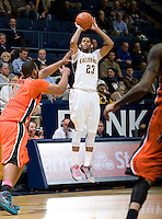 Allen Crabbe of California shoots the ball during the game against Oregon State Beavers at Haas Pavilion in Berkeley, California on January 31st, 2013.  California defeated Oregon State, 71-68.