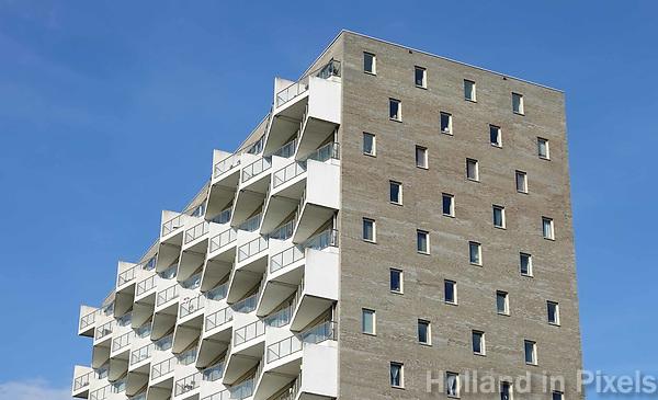 Nederland Amsterdam - 2018. De Kameleon in de Bijlmer. Het gebouw is een ontwerp van NL Architects. Foto Berlinda van Dam / Hollandse Hoogte