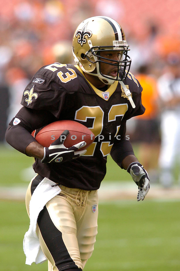 OMAR STOUTAMIRE, of the New Orleans Saints, in action against the Cleveland Browns on September 10, 2006 in Cleveland...Chris Bernacchi / SportPics..Saints win 19-14