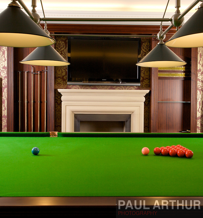 Luxury Snooker Room for Approved Contracts