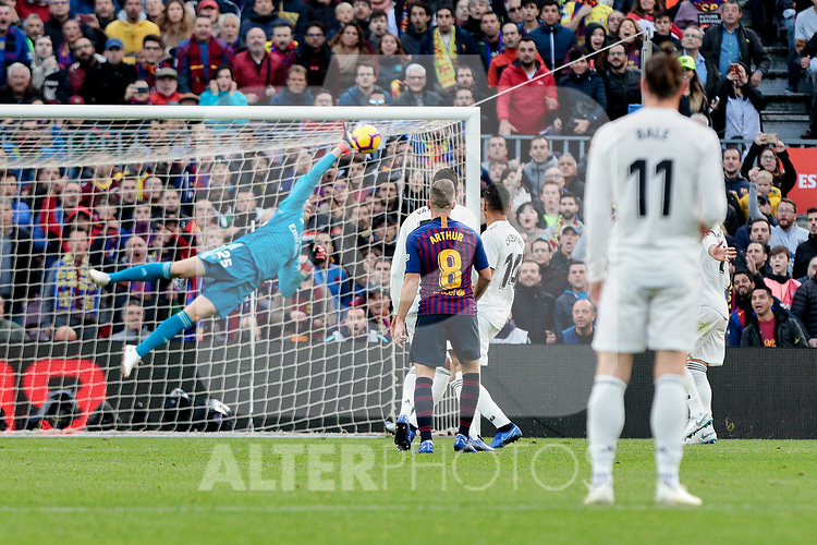 FC Barcelona's Arthur Henrique Ramos  and Real Madrid's Thibaut Courtois during La Liga match between FC Barcelona and Real Madrid at Camp Nou Stadium in Barcelona, Spain. October 28, 2018. (ALTERPHOTOS/A. Perez Meca)