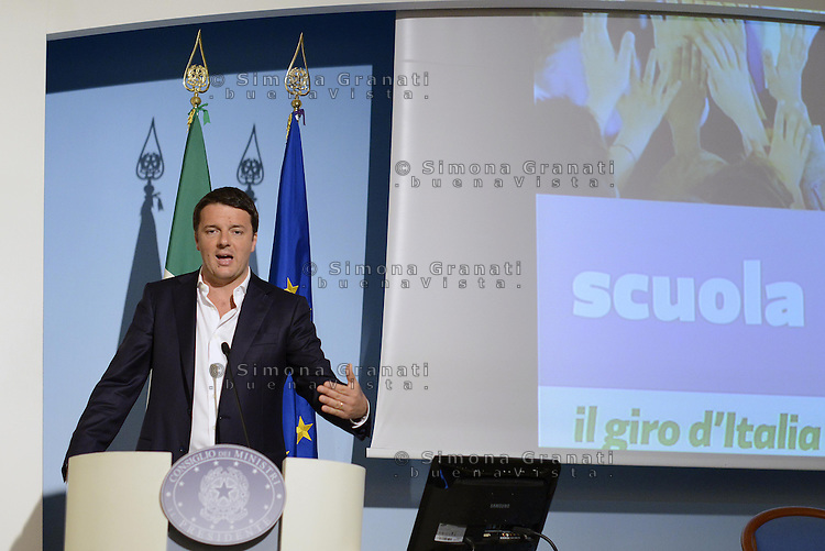 Roma, 23 Maggio 2014<br /> Il giro d'Italia in #80 giorni.<br /> Il Presidente del Consiglio Matteo Renzi in  conferenza stampa a palazzo Chigi per presentare i risultati dei suoi primi 80 giorni di Governo. <br /> Renzi mostra ai giornalisti dieci slide su:  80 euro in busta paga,lavoro, scuola, fisco, cultura, riforme, trasparenza, pubblica amministrazione, Europa e mondo.<br /> <br /> The italian Premier, Matteo Renzi in press conference at Palazzo Chigi to present the results of its first 80 days of Government.<br /> Renzi shows to reporters ten photos. on 80 &euro; payroll, work, school, taxation, culture, reform, transparency, public administration, Europe and the World.