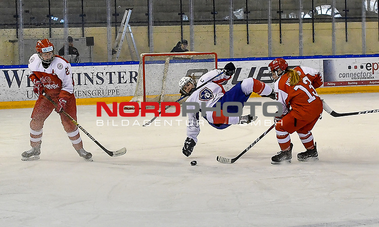 09.01.2020, BLZ Arena, Füssen / Fuessen, GER, IIHF Ice Hockey U18 Women's World Championship DIV I Group A, <br /> Daenemark (DEN) vs Frankreich (FRA), <br /> im Bild Sofie Skott (DEN, #22), spektakulaerer Flug von Anae Simon (FRA, #16), Frida Kielstrup (DEN, #13)<br /> <br /> Foto © nordphoto / Hafner