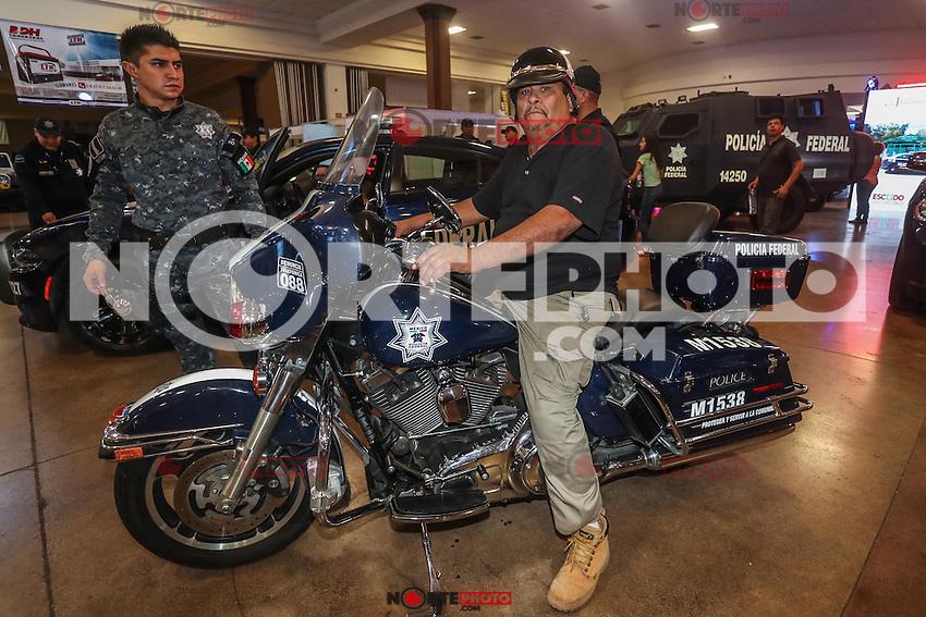 Auto Show. <br /> Exhibici&oacute;n de veh&iacute;culos deportivos, cl&aacute;sicos, militares y sonido realizado en ExpoForum. <br /> <br /> &copy;Foto: LuisGutierrrez/NortePhoto
