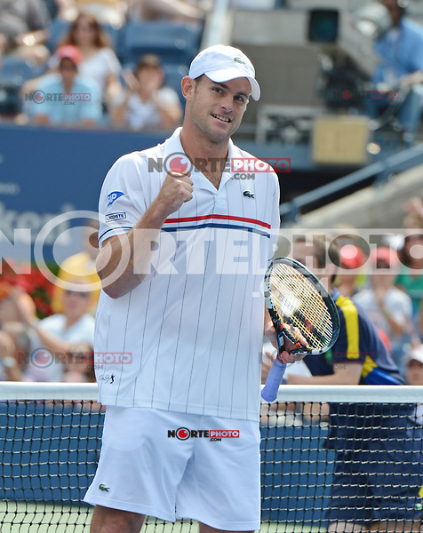FLUSHING NY- SEPTEMBER 2: Andy Roddick celebrates after first set victory 7-5 over Fabio Fognini on Arthur Ashe stadium at the USTA Billie Jean King National Tennis Center on September 2, 2012 in in Flushing Queens. Credit: mpi04/MediaPunch Inc. ***NO NY NEWSPAPERS*** /NortePhoto.com<br /> <br /> **CREDITO*OBLIGATORIO** <br /> *No*Venta*A*Terceros*<br /> *No*Sale*So*third*<br /> *** No*Se*Permite*Hacer*Archivo**<br /> *No*Sale*So*third*