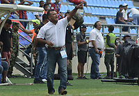SANTA MARTA - COLOMBIA, 06-10-2019: Carlos Silva Socarras técnico de Unión gesticula durante el partido por la fecha 15 de la Liga Águila II 2019 entre Unión Magdalena y Rionegro Águilas jugado en el estadio Sierra Nevada de la ciudad de Santa Marta. / Carlos Silva Socarras coach of Union gestures during match for the date 15 as part Aguila League II 2019 between Union Magdalena and Rionegro Aguilas played at Sierra Nevada stadium in Santa Marta city. Photo: VizzorImage / Gustavo Pacheco / Cont