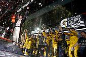 #20: Erik Jones, Joe Gibbs Racing, Toyota Camry buyatoyota.com