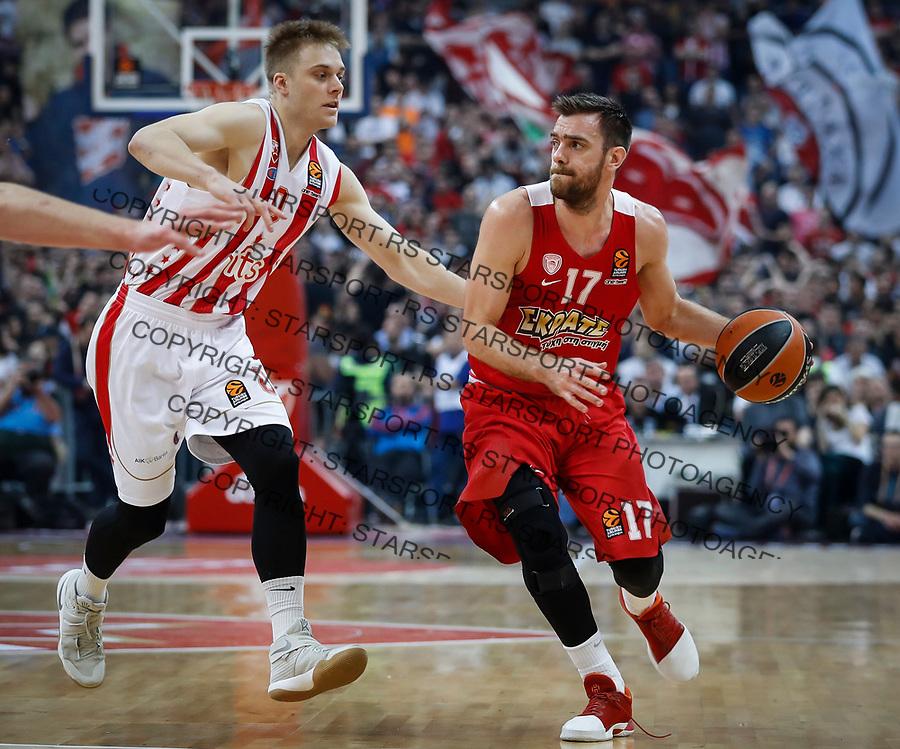 Kosarka Euroleague season 2016-2017<br /> Crvena Zvezda v Olympiacos (Athens)<br /> Vangelis Mantzaris and Nathan Wolters (L)<br /> Beograd, 22.03.2017.<br /> foto: Srdjan Stevanovic/Starsportphoto &copy;