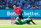 10th February 2019, Melbourne Cricket Ground, Melbourne, Australia; Australian Big Bash Cricket, Melbourne Stars versus Sydney Sixers; Nathan Lyon of the Sydney Sixers runs out Dwayne Bravo of the Melbourne Stars