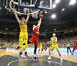 19.06.2019, Mercedes Benz Arena, Berlin, GER, 1.BBL, ALBA ERLIN vs.  FC Bayern Muenchen, <br /> im Bild Rokas Giedraitis (ALBA Berlin #31), Niels Giffey (ALBA Berlin #5),<br /> Leon Radosevic (FC Bayern Muenchen #10)<br />      <br /> Foto © nordphoto / Engler