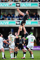 Elliott Stooke of Bath Rugby rises high to win lineout ball. European Rugby Challenge Cup match, between Bath Rugby and Pau (Section Paloise) on January 21, 2017 at the Recreation Ground in Bath, England. Photo by: Patrick Khachfe / Onside Images