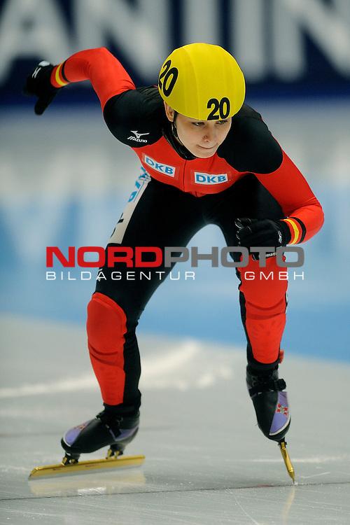 14.01.2011, Thialf, Heerenveen, NLD, ISU European short track speed skating Championships, im Bild: Bianca Walter GER 1500m <br /> Foto &copy; nph / Ronald Hoogendoorn