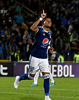 BOGOTÁ - COLOMBIA, 15-08-2018: Ayron del Valle, jugador de Millonarios (COL), celebra el tercer gol de su equipo anotado a General Diaz (PAR), durante partido de vuelta entre Millonarios (COL) y General Díaz (PAR), de la segunda fase por la Copa Conmebol Sudamericana 2018, en el estadio Nemesio Camacho El Campin, de la ciudad de Bogotá. / Ayron del Valle, player of Millonarios (COL), celebrate the third scored goal of his team to General Diaz (PAR), during a match of the second leg between Millonarios (COL) and General Diaz (PAR), of the second phase for the Conmebol Sudamericana Cup 2018 in the Nemesio Camacho El Campin stadium in Bogota city. VizzorImage / Luis Ramirez / Staff.