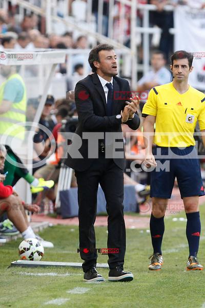 Barcelona´s coach Luis Enrique during La Liga match between Rayo Vallecano and Barcelona at Vallecas stadium in Madrid, Spain. October 04, 2014. (ALTERPHOTOS/Victor Blanco)