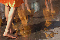 FESTA DEL BAISAKHI NELLA FOTO SIKH SCALZI IN RISPETTO AL SACRO LIBRO GURU GRANTH SAHIB     RELIGIONE BRESCIA 22/04/2006 FOTO MATTEO BIATTA<br /> <br /> BAISAKHI FEST IN THE PICTURE SIKH WITHOUT SHOES IN RESPECT OF HOLY BOOK GURU GRANTH SAHIB RELIGION BRESCIA 22/04/2006 PHOTO BY MATTEO BIATTA