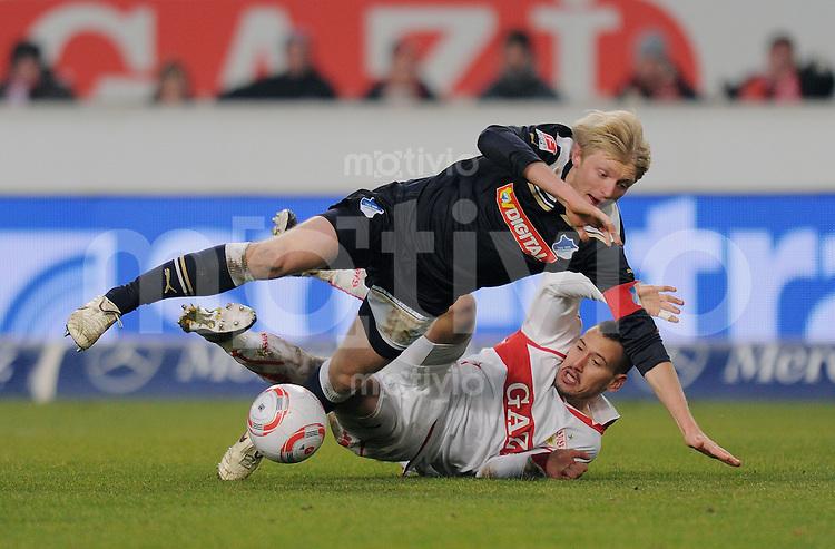 FUSSBALL   1. BUNDESLIGA   SAISON 2010/2011  15. SPIELTAG    04.12.2010 VfB Stuttgart - TSG 1899 Hoffenheim  Timo Gebhart (unten, VfB Stuttgart) gegen Andreas Beck (TSG 1899 Hoffenheim)