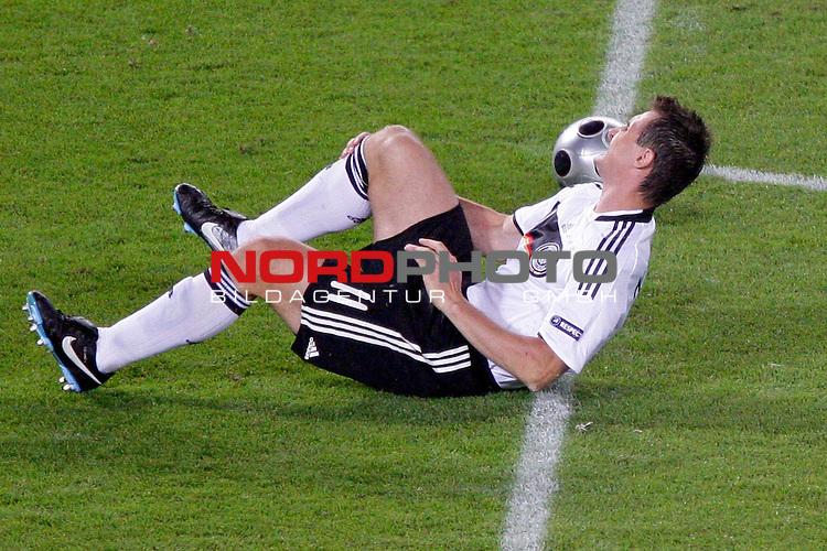 UEFA Euro 2008  Finale - Spanien Europameister 2008<br /> <br /> Vienna - Ernst Happel Match 32<br /> Deutschland ( GER ) - Spanien ( ESP ) 0:1<br /> <br /> Miroslav Klose ( Germany / Angreifer / Forward /  Bayern Muenchen #11) am Boden verletzt<br /> <br /> <br /> Foto &copy; nph (  nordphoto  )<br /> <br /> <br /> <br />  *** Local Caption ***