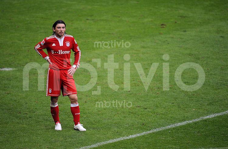 Fussball 1. Bundesliga :  Saison   2009/2010   10. Spieltag  24.10.2009 FC Bayern Muenchen - Eintracht Frankfurt  Danijel Pranjic (FCB)