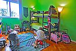 Quarto de criança em apartamento. RJ. Foto de Luciana Whitaker.