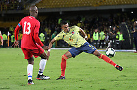 BOGOTÁ- COLOMBIA,03-06-2019:William Tesillo jugador de Colombia disputa el balón con Panamá durante   partido amistoso de preparación para la Copa América de Brasil 2019 jugado en el estadio Nemesio Camacho El Campín de la ciudad de Bogotá. /William Tesillo  player of Colombia disputes the ball with  Panama during friendly match in preparation for the Copa América of Brazil 2019 played in the Nemesio Camacho El Campín stadium in the city of Bogotá.. Photo: VizzorImage / Felipe Caicedo / Staff