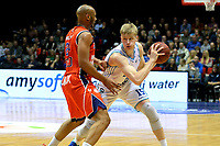 GRONINGEN -  Basketbal, Donar - New Heroes Den Bosch, Martiniplaza, Dutch Basketbal League, seizoen 2018-2019,  26-01-2019, Donar speler Rienk Mast met Den Bosch speler Jonathan Williams