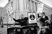San Francisco, California.USA.March 15, 2003..Pro-Iraq war demonstrators face off against anti-Iraq war demonstration in San Francisco.