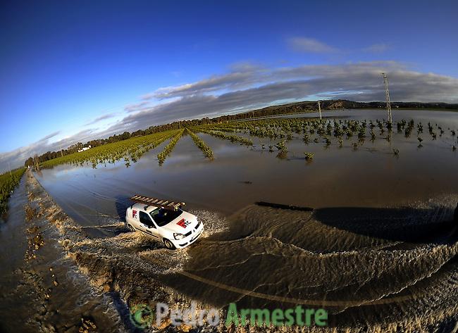 The road of La Ina, near Jerez de la Frontera in Cadiz is pictured before it was closed on january 02, 2010 for the heavy rain. (c)Pedro ARMESTRE.